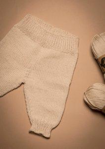 Lækre strikkede baby bukser – Kukuk.dk Blog